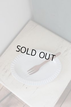 画像2: よしざわ窯 / 白い線刻楕円リム皿